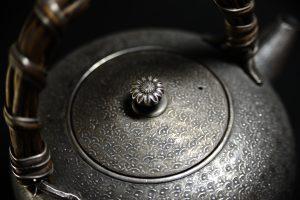 古い急須 作者不明の純銀製の急須を買取